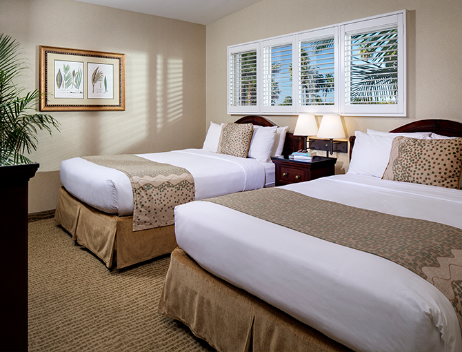 Bay View Suite bedroom with two queen beds